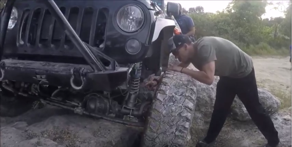 mannequin-challenge-offroad-youtube